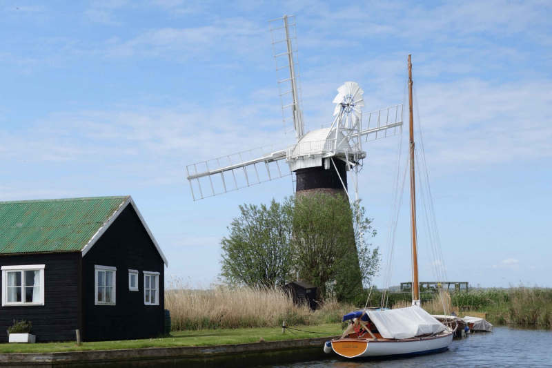 Norfolk Broads mill 08446art